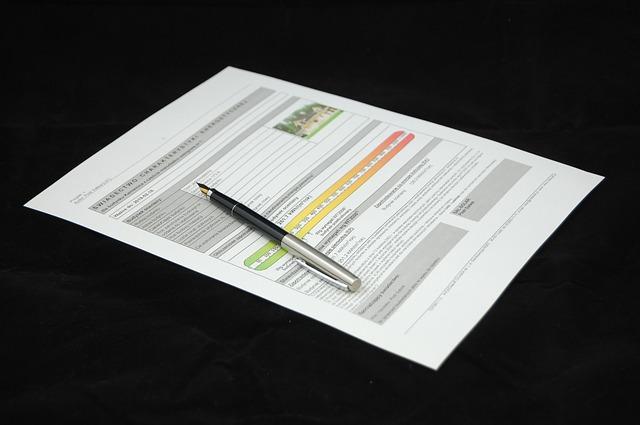 事業用ナンバー取得の際は車庫証明は不要です。