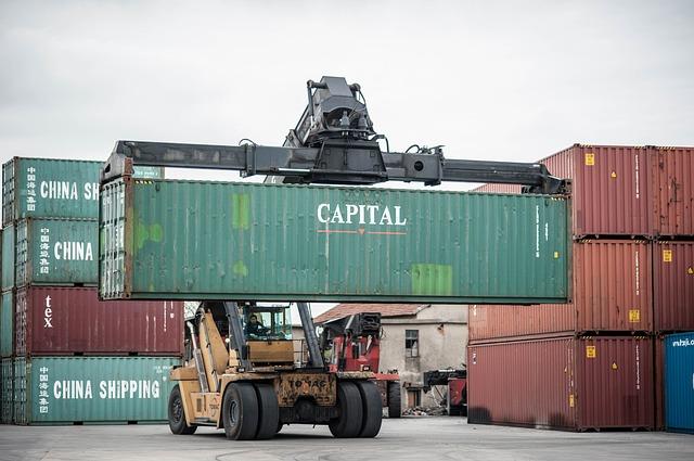 「荷主が積載量を増やしたいから」手荷役(バラ積・バラ卸)が増加している。
