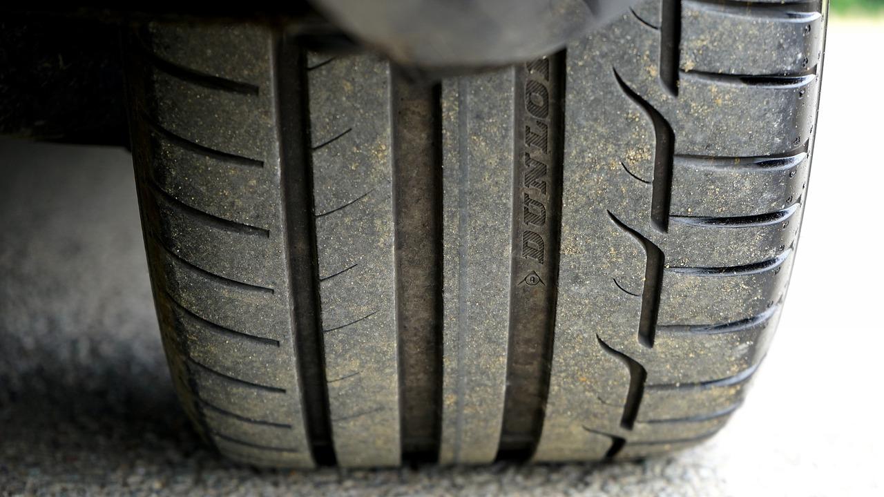 車輪の脱落事故を防止しましょう