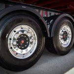 左後輪の車輪脱落事故はなぜ多いのか